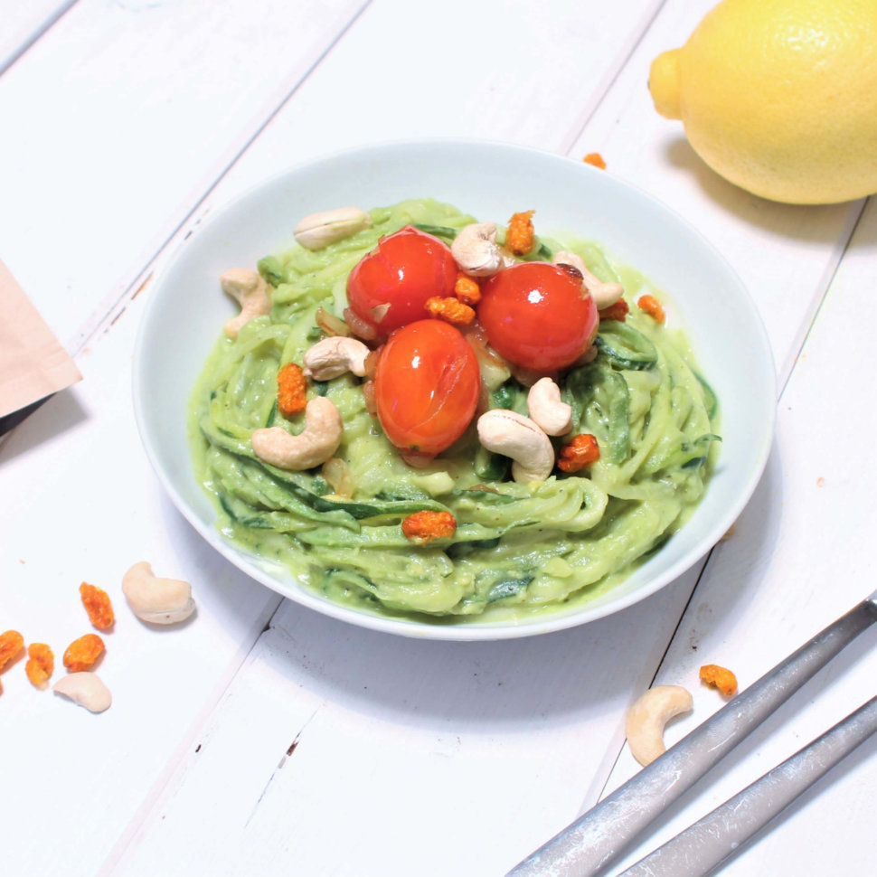 Zoodles mit Avocadocreme